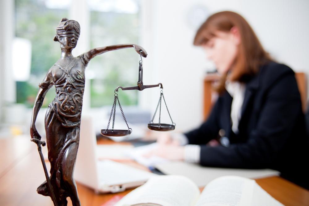Какие услуги оказывает адвокат?