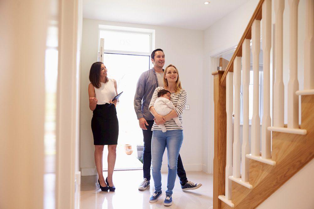 Как выбрать вторичную квартиру для молодой семьи?