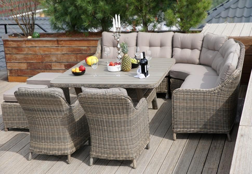 В чём плюсы плетеной мебели из ротанга и искусственного ротанга?