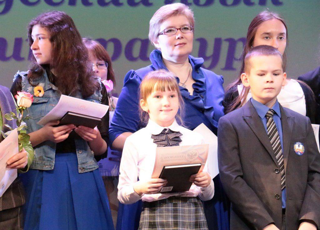 «В каждой детской победе есть участие взрослого»: мама участниц всероссийской олимпиады школьников рассказала о дочерях