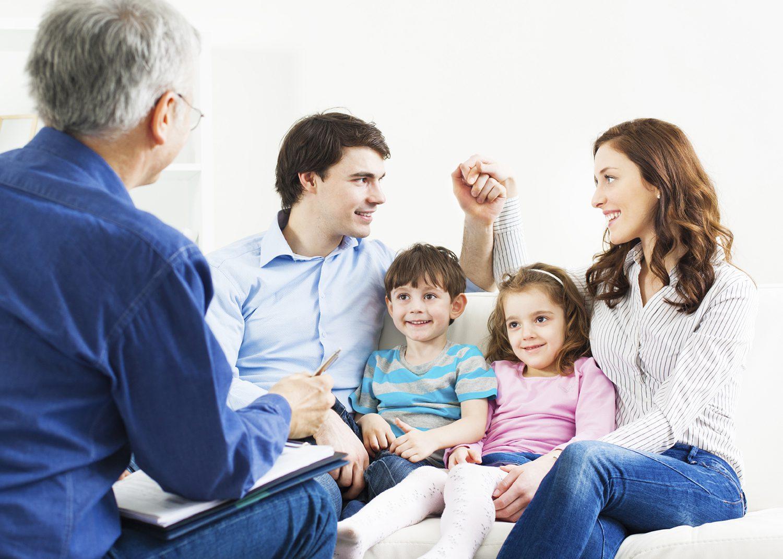 «Семья должна стать полноправным участником в обучении детей». Интервью с экспертом