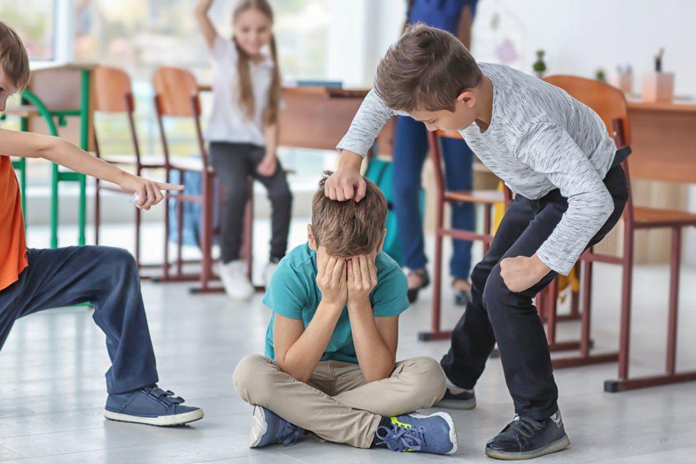 Виноватые и невиновные. Вебинар и очная встреча для родителей «Травля в классе. Как помочь своему ребенку»
