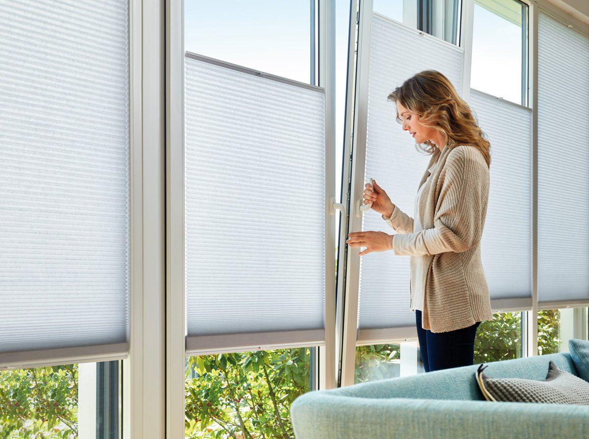 Жалюзи на окна: выбор и правила ухода